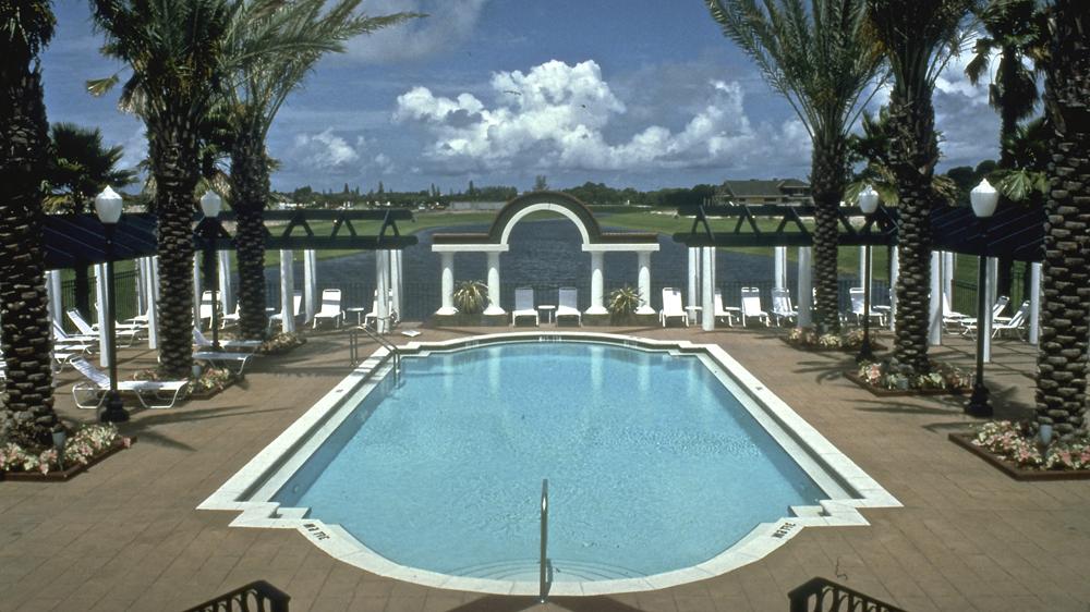 Pool & Pool Deck