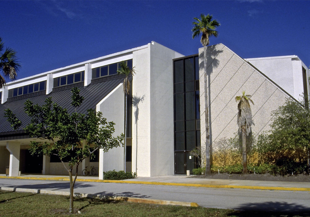Florida-Atlantic-University-Teaching-Gymnasium-Southeast-View-slider